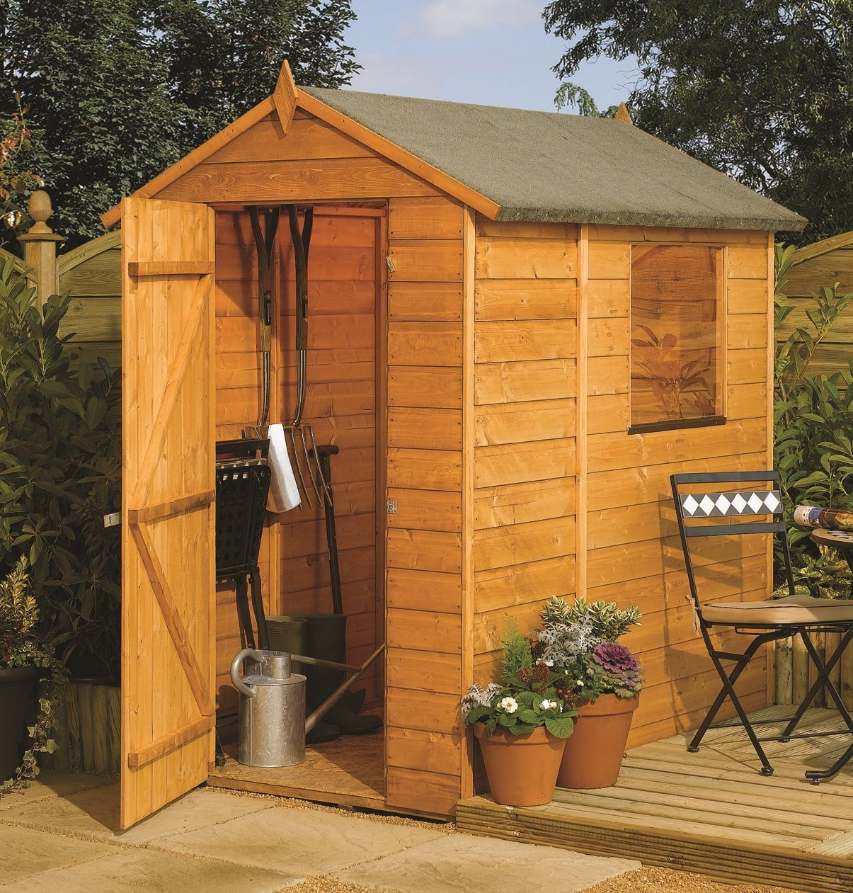 This Rowlinson 6X4 apex garden shed is built using 12mm tongue